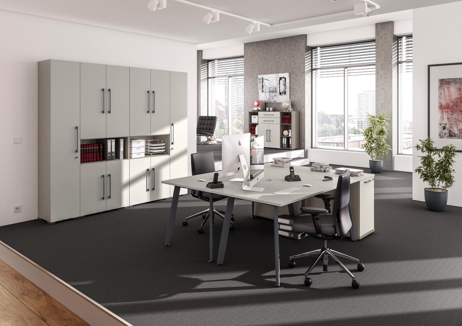 Schreibtischstühle im Büro
